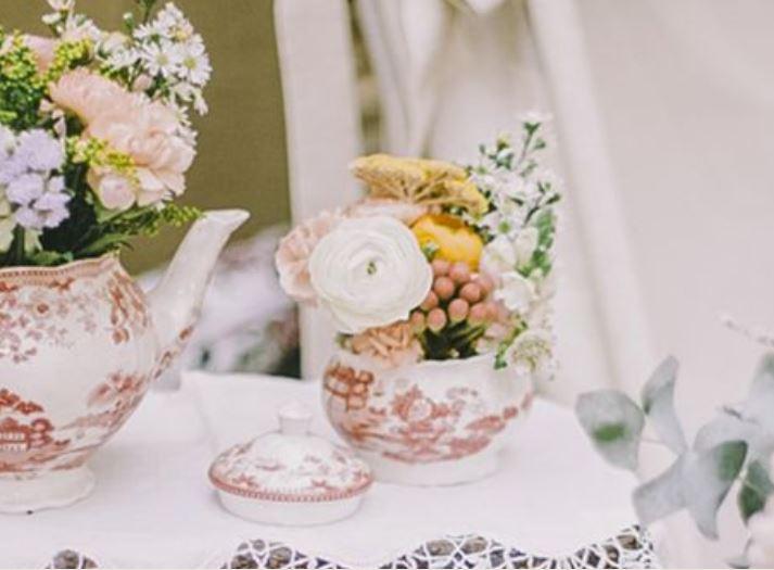 Decoración de bodas - Flores en el Columpio
